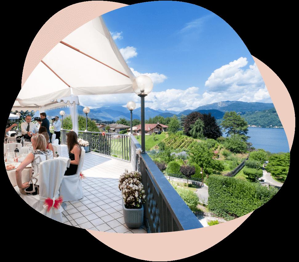 Matrimonio su terrazza affacciata sul Lago d'Orta